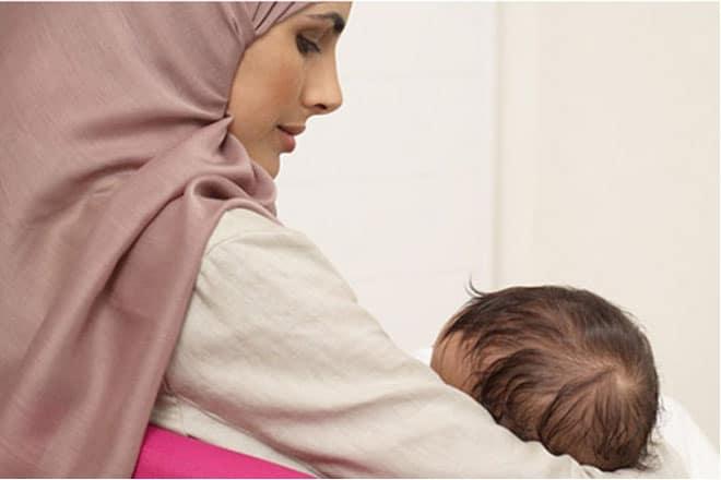 Solusi Ibu Menyusui Yang Mengalami Pembengkakan