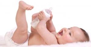 Efek-Minum-Susu-Sambil-Tidur-Bahaya-untuk-Bayi_-1