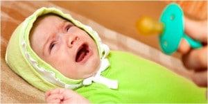 bayi-menangis-karena-sakit-perut-atau-hanya-rewel