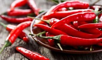 Benarkah Makan Sambal Membuat ASI Pedas?
