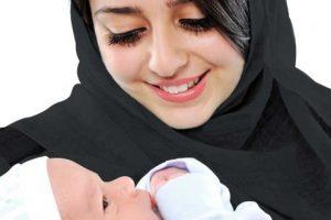muslimmotherholdingbaby