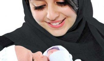 4 Cara Mengatasi Bayi Baru Lahir yang Malas Minum ASI