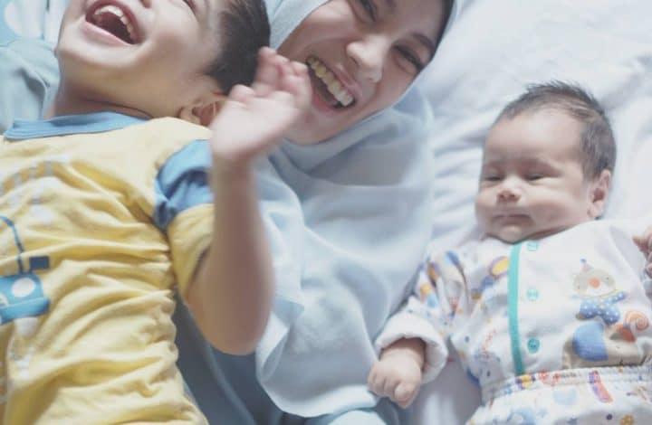 5 Penyebab Bayi Sering Muntah dan Cara Mengatasinya